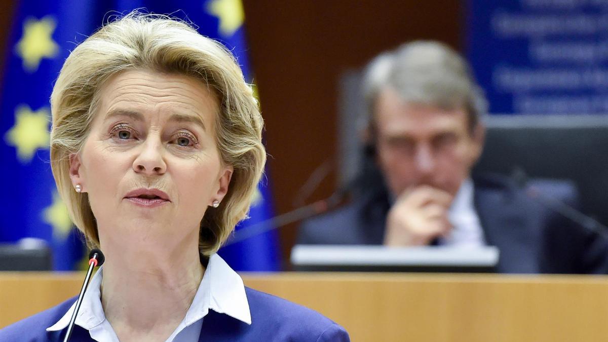 Von der Leyen ha amenazado con cancelar la exportación por los retrasos de AstreZeneca.
