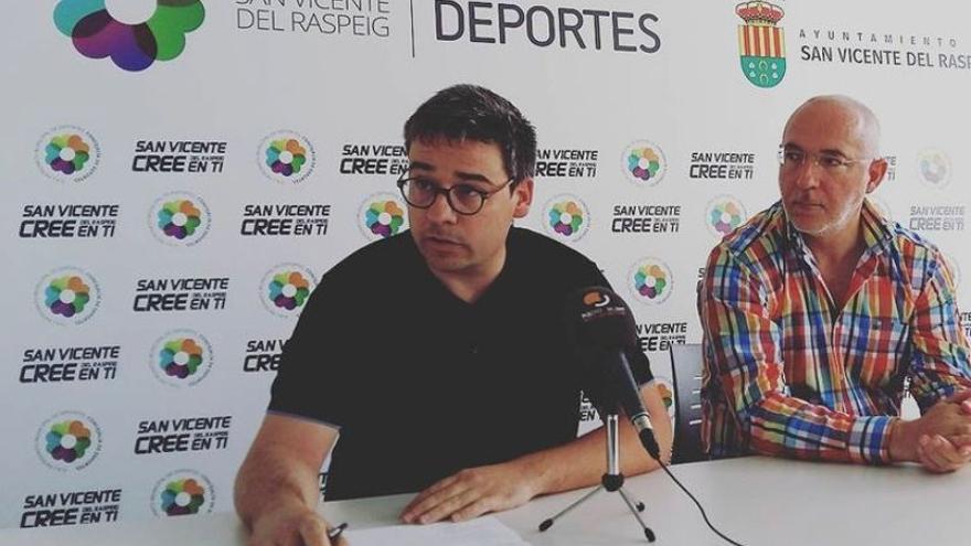 El alcalde de San Vicente cesa al edil Lorenzo para atajar la división del grupo