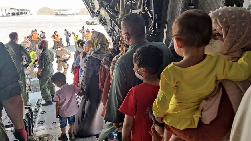 IU y Podemos piden al alcalde que ofrezca Córdoba como ciudad acogedora para refugiados de Afganistán