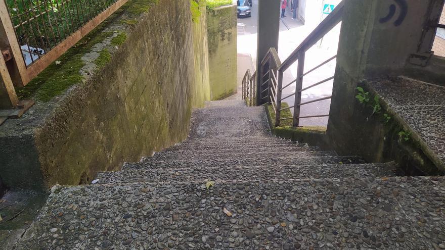 """Lúgubres y """"rompepiernas"""": así son las peores escaleras de Vigo"""