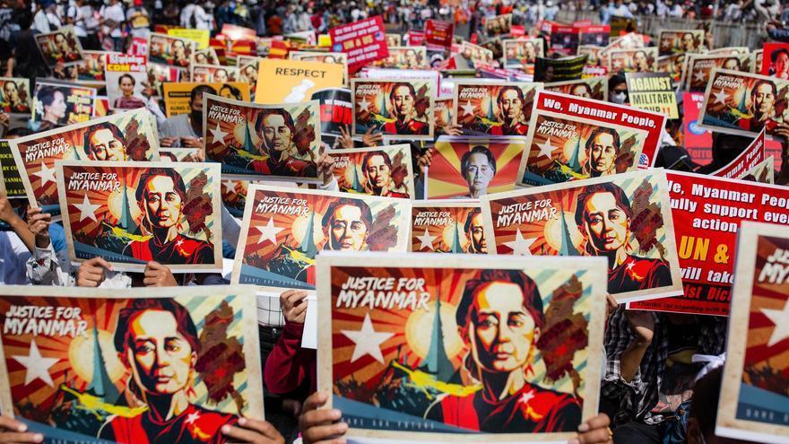 Facebook e Instagram prohíben las cuentas vinculadas con el Ejército de Birmania