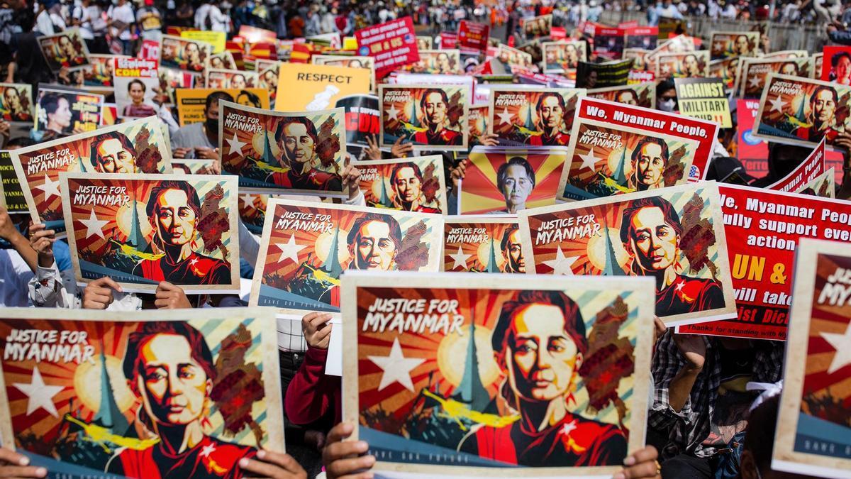 Protestas en Birmania contra el Golpe de Estado.