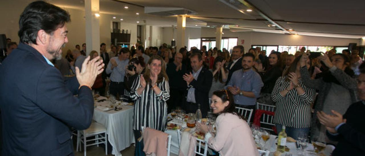 Críticas a Barcala por dar contratos al restaurante habitual de los populares