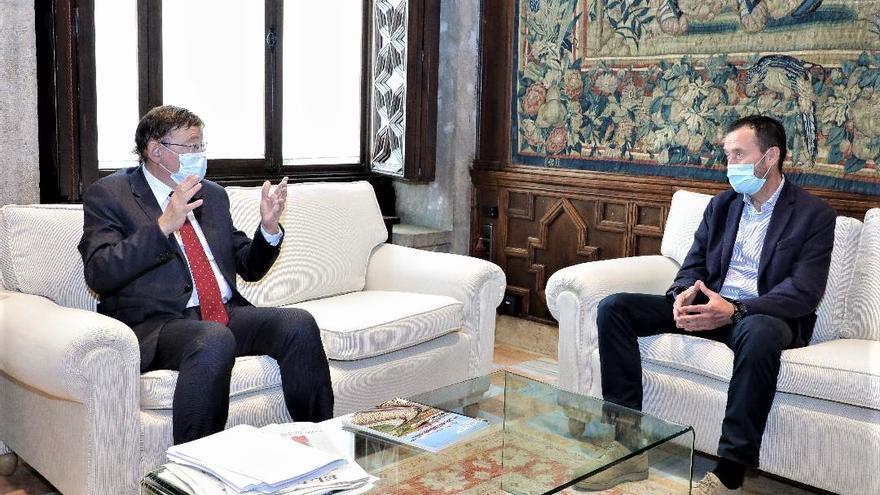 Puig anuncia al alcalde que se acelera el proyecto para  la ampliación del Hospital