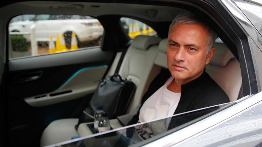El United destituye a Mourinho