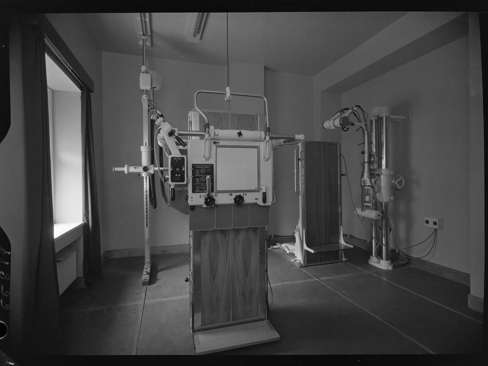 Sala con aparatos para diagn�sticos en imagen.jpg