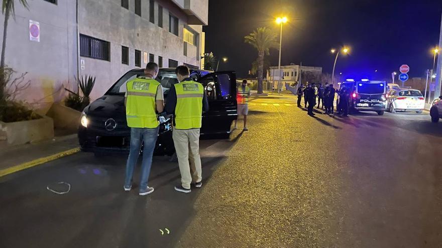 Denunciado un taxista 'pirata' en un control contra el intrusismo