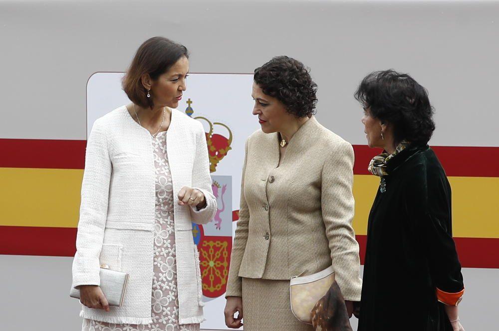 La ministra de Industria y Turismo, Reyes ...