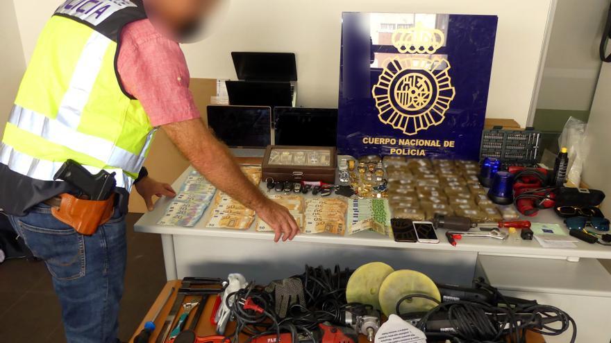 Cae una banda especializada en robos violentos en viviendas y tráfico de drogas en Dénia y Alicante