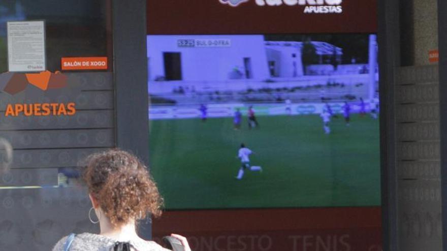 La Xunta aumentará la distancia real obligatoria entre los locales de juego y los centros escolares