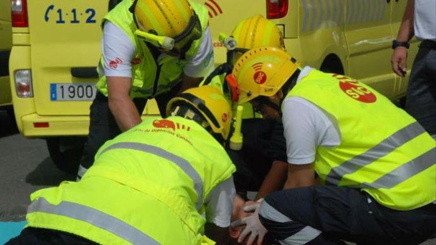Un motorista resulta herido al colisionar contra un coche en Tenerife