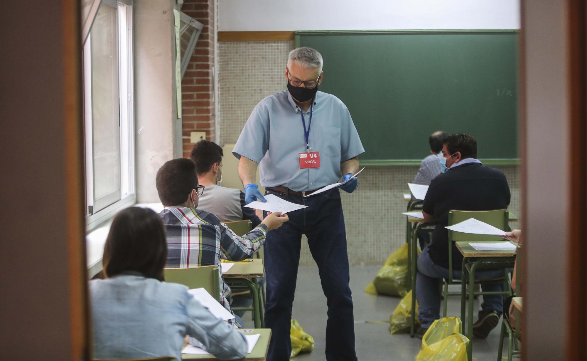Así ha sido el examen de oposiciones a maestros de secundaria en el IES de Benicalap