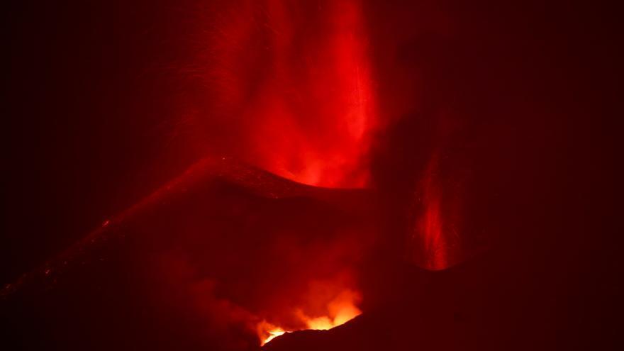Continúa la efusividad del volcán de La Palma