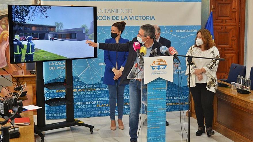 Rincón de la Victoria acogerá el nuevo parque de bomberos de la Axarquía