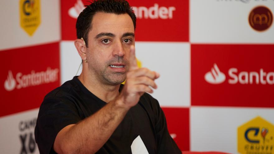 """Xavi: """"No he hablado con Laporta en los últimos meses"""""""