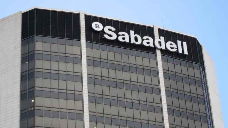Banco Sabadell prepara un plan de ajuste que afectará a cerca de 2.000 empleados