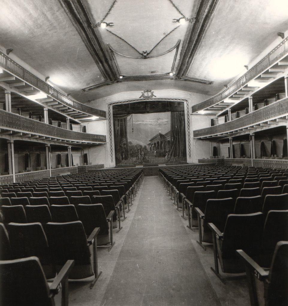 El Teatro Duque de Rivas, antes Teatro Circo, acogió la primera proyección cinematográfica de la ciudad en 1896.