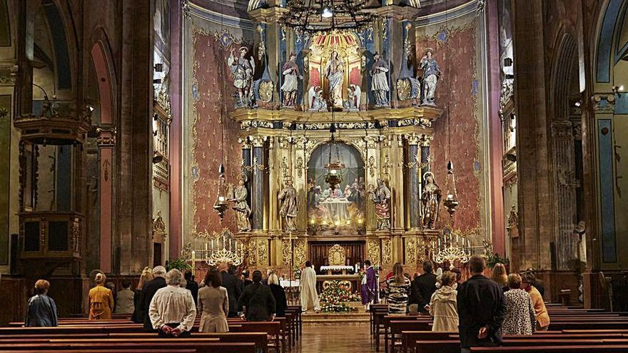 Una misa íntima en Pollença para despedir a Mercedes Herrera de la Sota