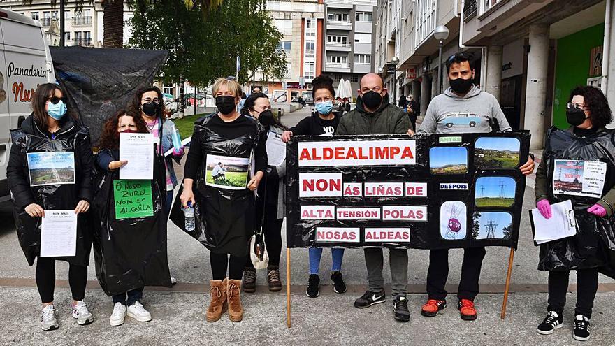 Casi 2.000 firmas contra la línea de alta tensión de Monteagudo a Morás