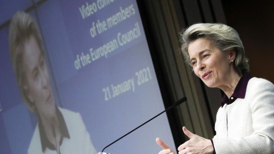 La UE advierte que ha invertido millones y las farmacéuticas deben cumplir