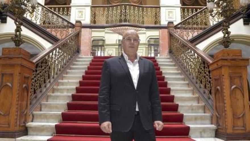 Fernando Méndez, sastre de reinas