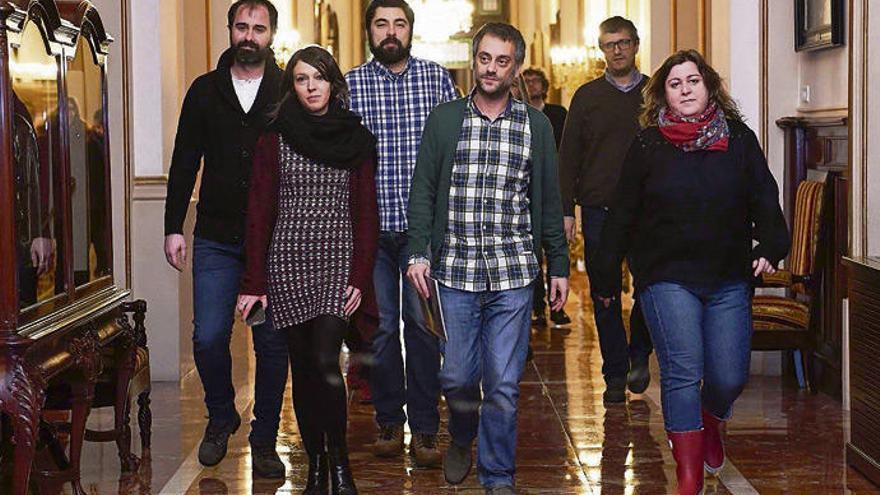 PP y PSOE tumban la cuestión de confianza del Gobierno local de A Coruña