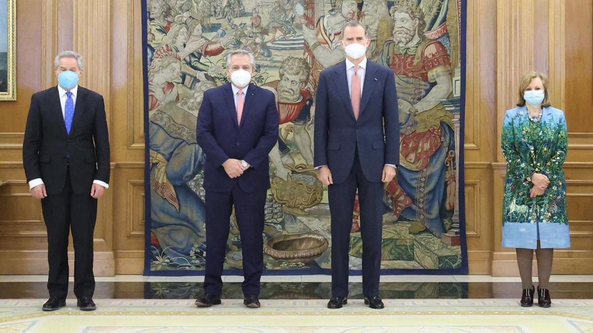 El rey Felipe recibe al presidente de Argentina, Alberto Fernández.