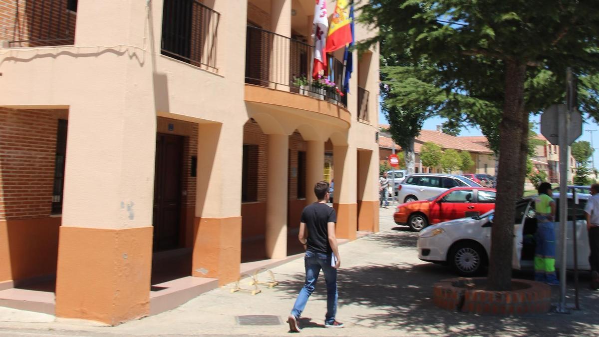Fachada del Ayuntamiento de Casaseca de las Chanas
