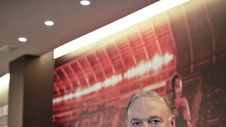 Andy Kohlberg: «No somos un club de cuatro entrenadores por temporada»