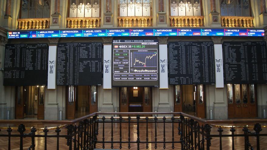 El Ibex 35 sube un 0,6% y asalta los 9.000 puntos