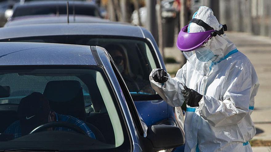 La Generalitat aparca un confinamiento inmediato y lo liga a la evolución del virus