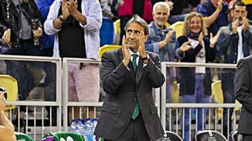 Luis Casimiro, ovacionado en el Arena