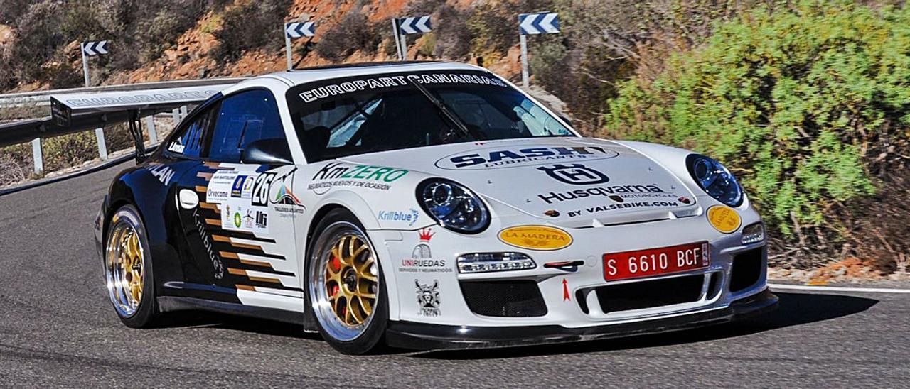 Ivan Armas con el Porsche 911 GT3-Cup en el trazado de Fataga.