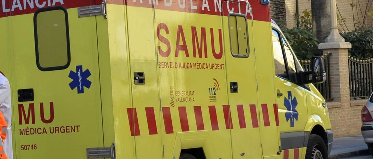 Ambulancia del SAMU para servicios de ayuda médica urgentes
