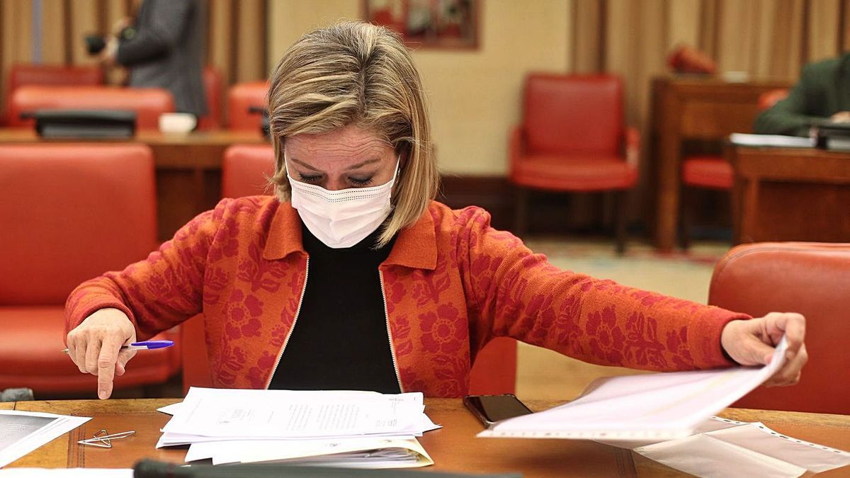 La diputada Ana Oramas antes de dar comienzo el lunes la Comisión de Presupuestos en el Congreso  .