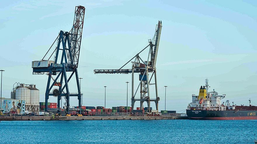 El Gobierno autoriza la prolongación del muelle por 33 millones de euros