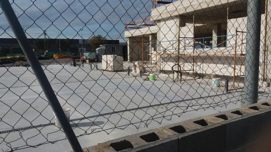 Protectoras rechazan que los boxes del nuevo refugio animal solo tengan 5 metros