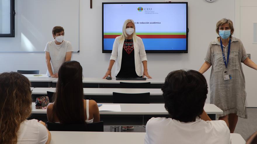 Cuando los alumnos trabajan con los profesores para acercarse a la realidad profesional