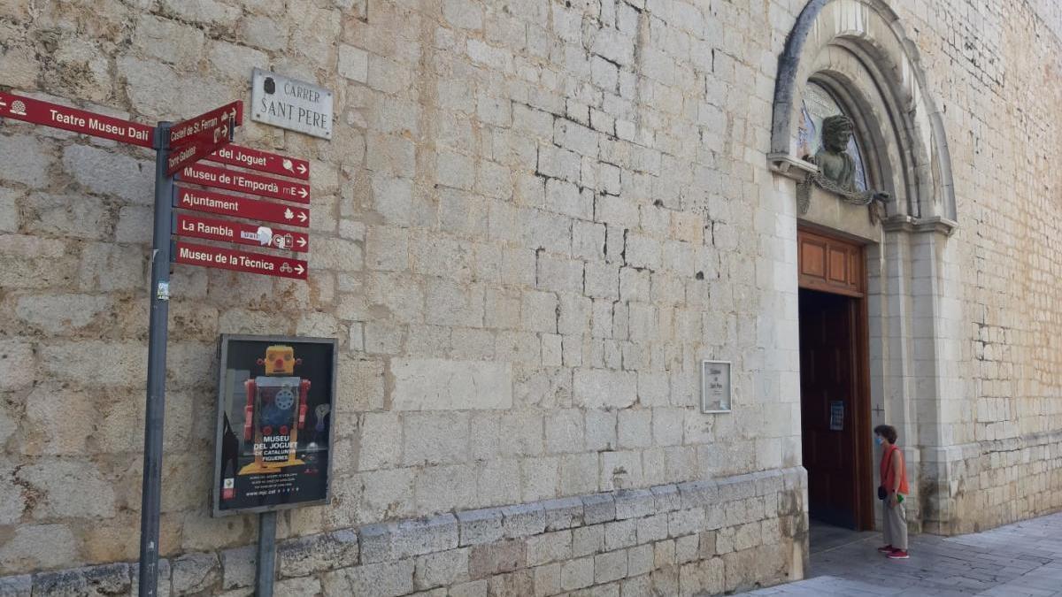 L'església de Sant Pere.