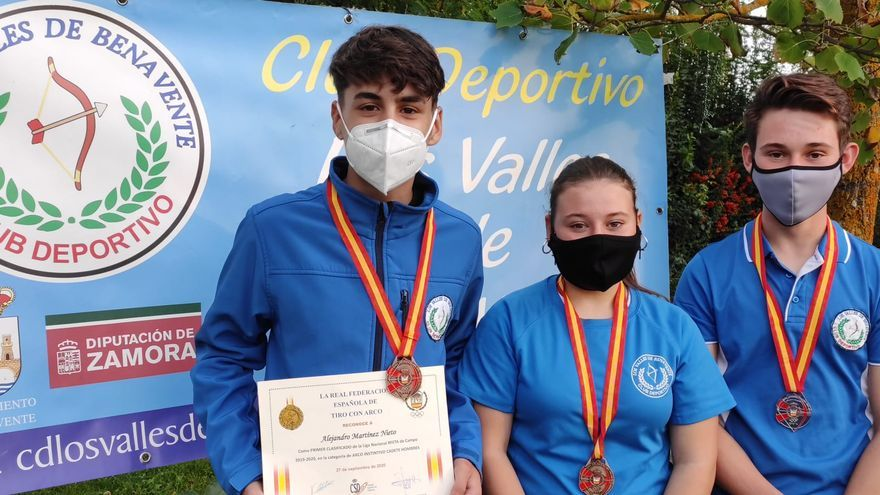 Tres medallas para el CD Los Valles de Benavente