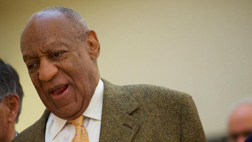 La defensa de Cosby ataca la credibilidad de la exmodelo que denuncia violación