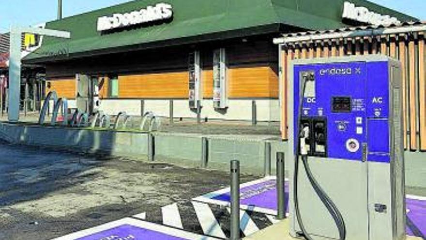 Endesa X i McDonald's inauguren nous punts de recàrrega per a vehicles elèctrics a Manresa