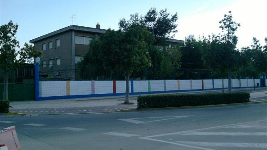 Familias de alumnos del IES La Sénia de Paiporta piden la asistencia 100% presencial