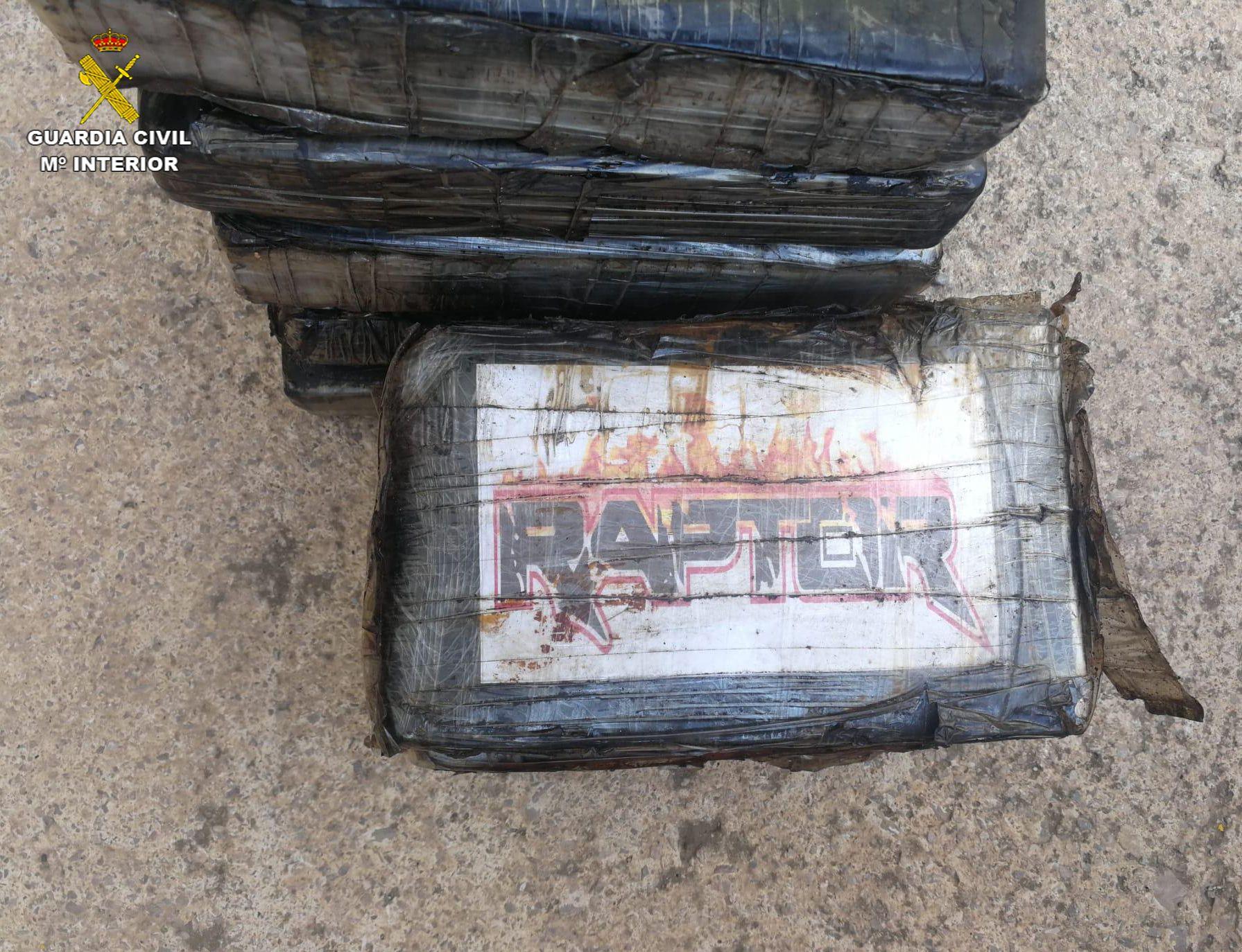 "Intervenidos 450 kilos de cocaína en Valencia ocultos en el ""gancho ciego"""