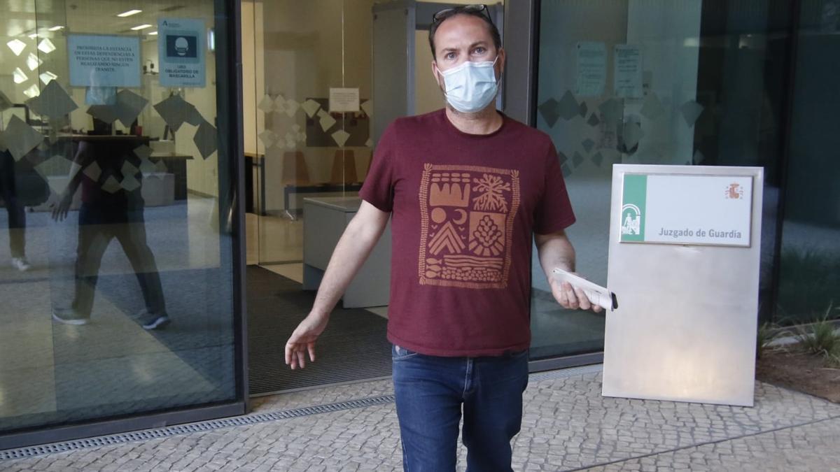 Juan Alcántara, a su salida de la Ciudad de la Justicia.