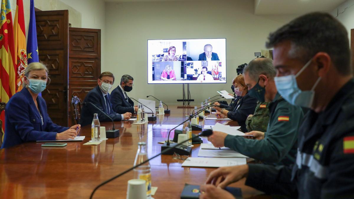 Puig presidió ayer la reunión de coordinación de seguridad de medidas anticovid, junto a Bravo y Calero.