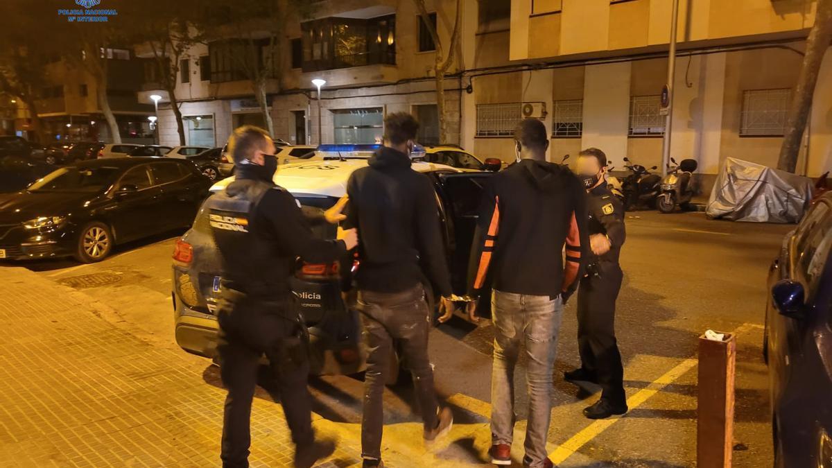 Los acusados, al ser detenidos por la Policía