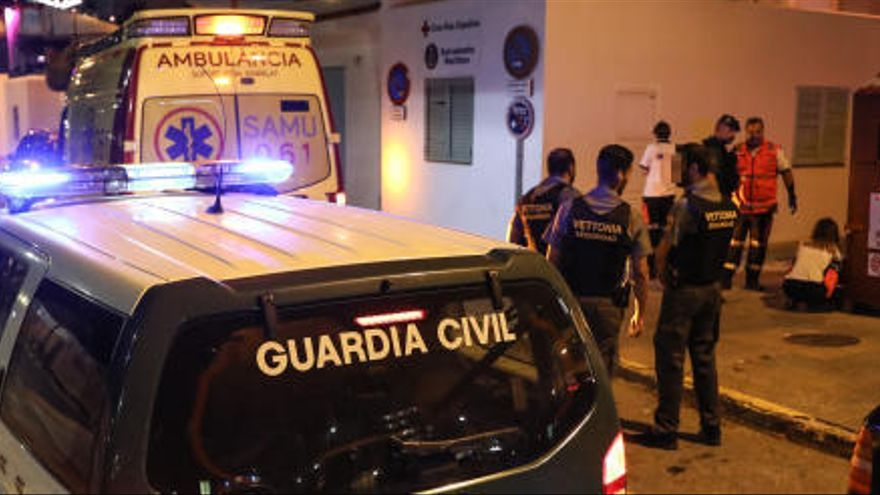 Fallece un hombre arrastrado por las olas mientras pescaba en Ibiza