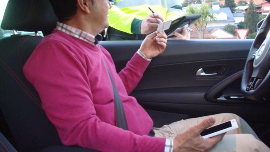 El detalle de tu vehículo que está revisando la Guardia Civil con lupa y que te puede costar una multa importante