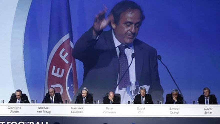 """Platini se despide de la UEFA con la """"conciencia tranquila"""""""